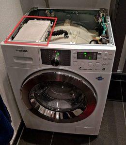Waschmaschine mit neuem Ersatzteil